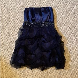 Dresses & Skirts - Blue sparkly dress